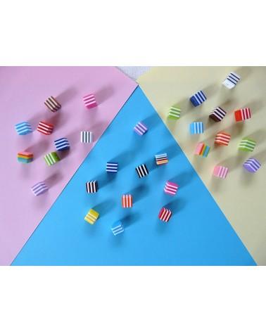 Perle cube bayadère couleurs mélangées X10