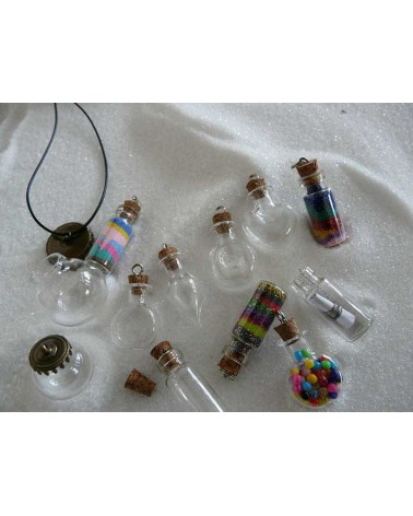 Flacon miniature en verre à suspendre COEUR 29x22x10mm X1