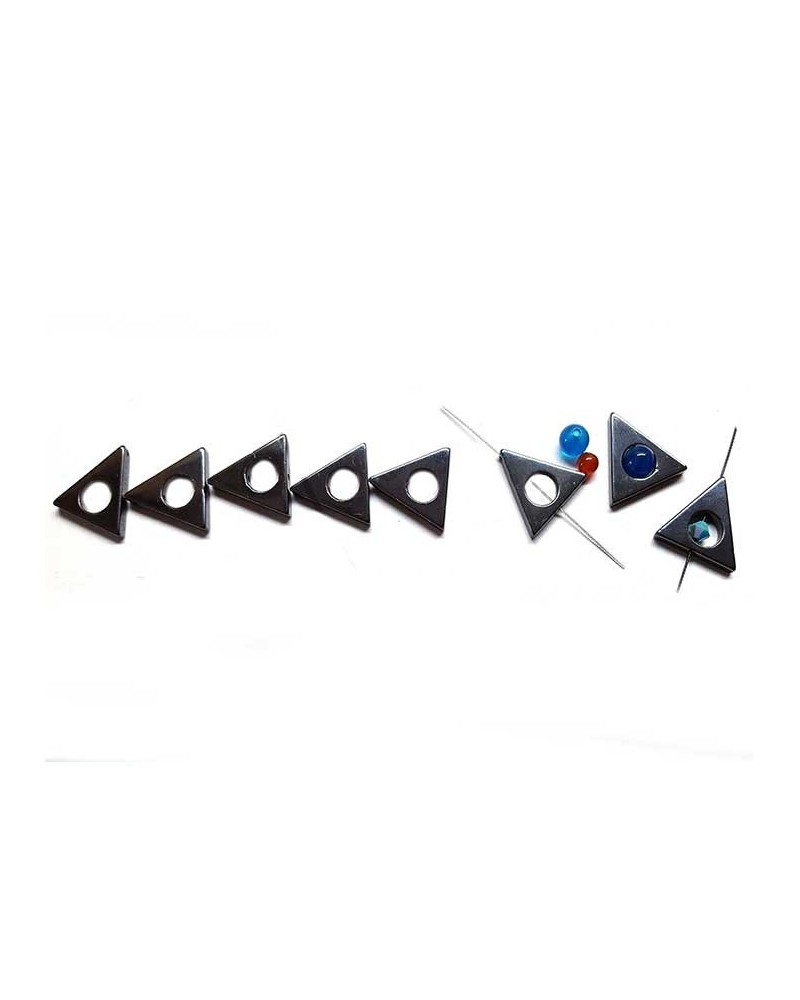 Hématite triangle évidé 16mm noir