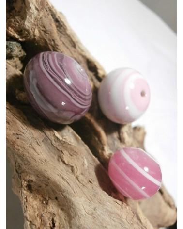 Céline Wojcik    Ensemble de  3 perles Rose et Violet