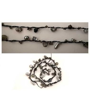 Chaîne perlée verre au crochet noire X 44cm