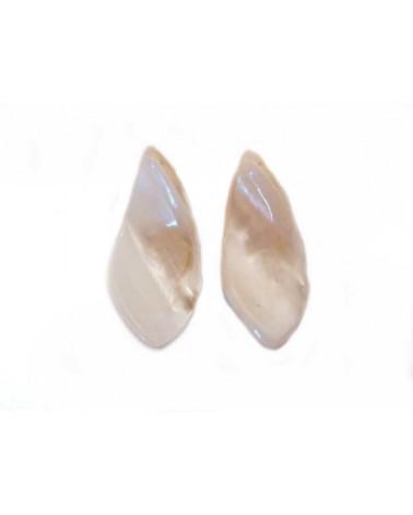 Goutte plate twistée en coquillage nacré x1